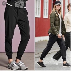 Athleta City Jogger Pants In Black Size 8